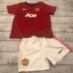 Nike Manchester United Authentic Soccer Kit